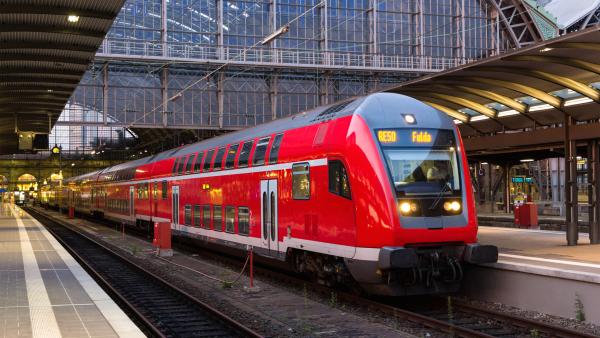 Foto zu Deutsche Bahn Strom kündigen: Nicht der günstigste Anbieter?