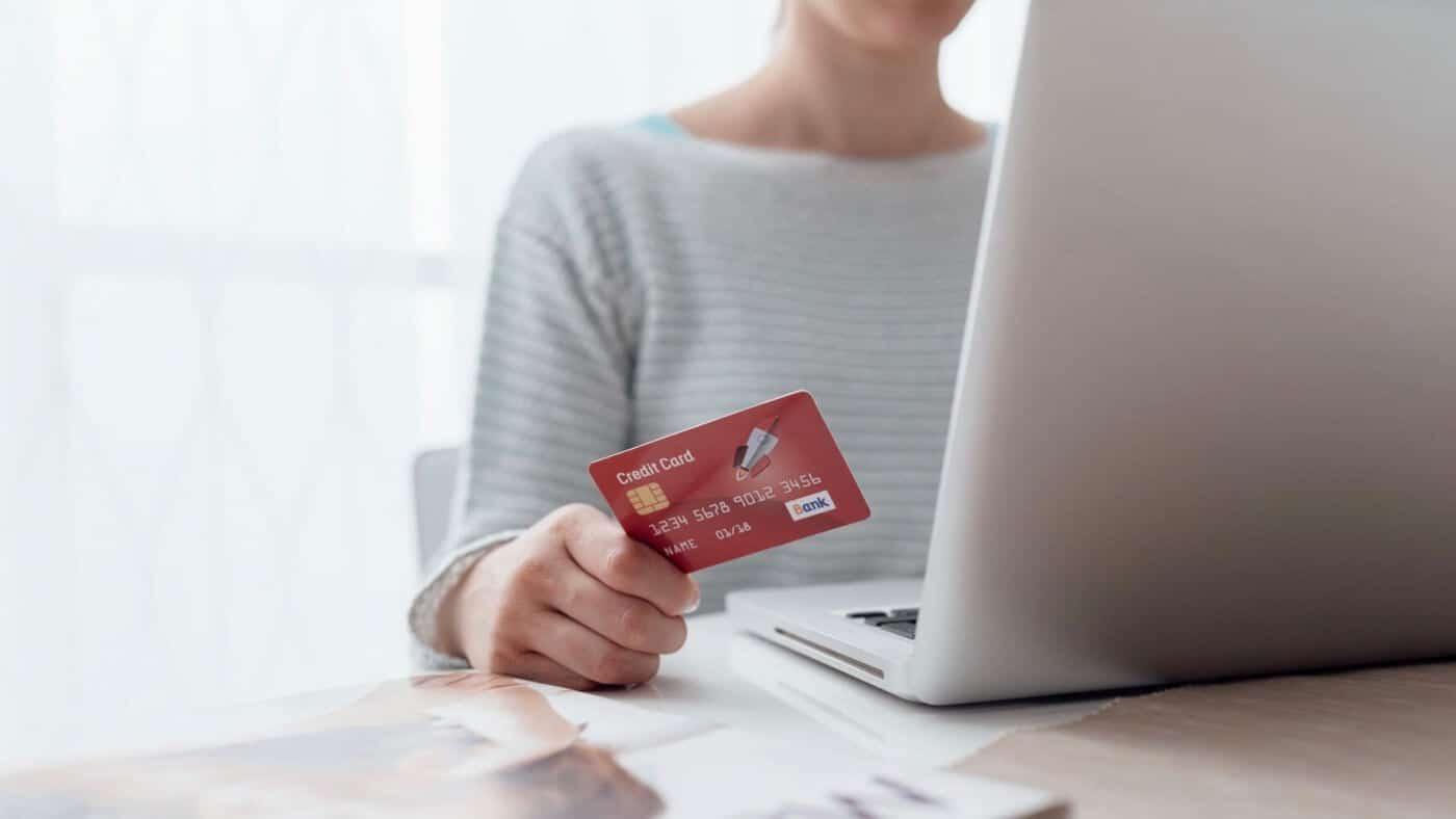 Die Kreditkarte der insolventen Fluggesellschaft: AirBerlin ...