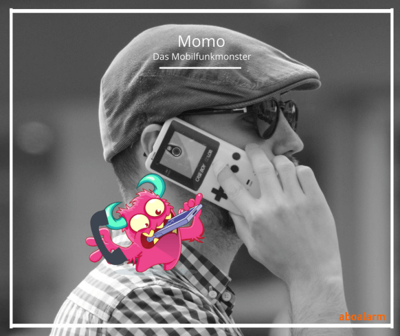 Momo Mobilfunkmonster telefoniert