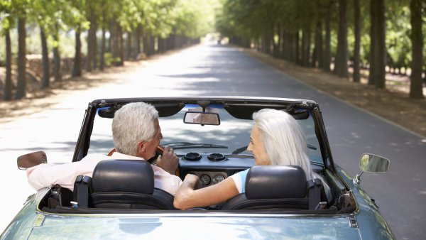 Foto zu Kfz-Versicherung für Senioren: So vermeidest du den Alterszuschlag!